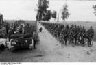 Photo Bueschel - Himler inspecte les troupes