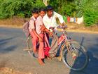 Photo enfants sur vélo