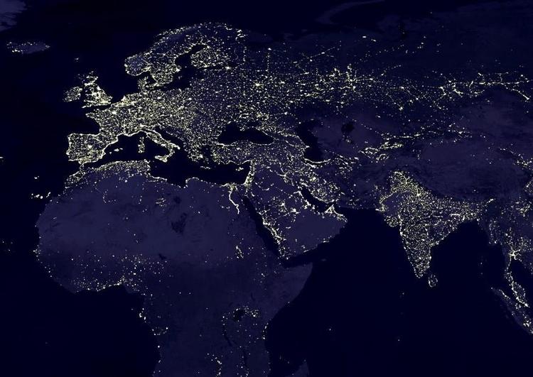 analyse de notre monde Photo-la-terre-de-nuit-zones-urbaines4-dm8027