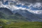 Photo montagnes et nuages